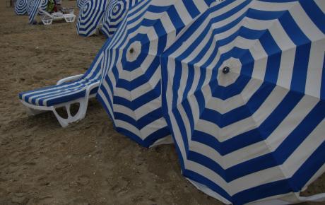 Parasols ou parapluies?