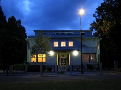 Villa Empain à la René Magritte